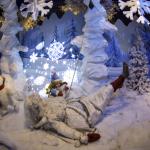 Babbo Natale caduto pattinando